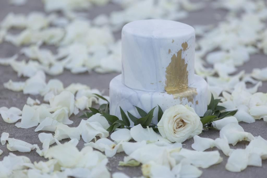 St Thomas Styled Shoot golden cake